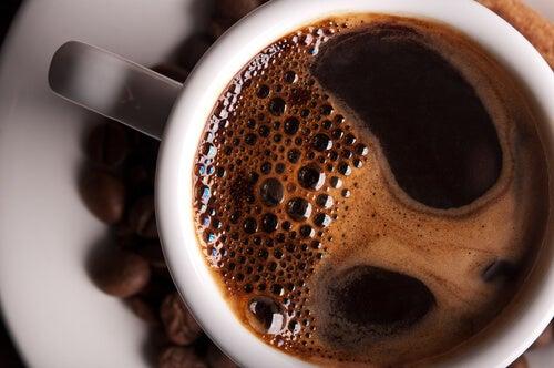 Bea cafea pentru a te proteja de Alzheimer