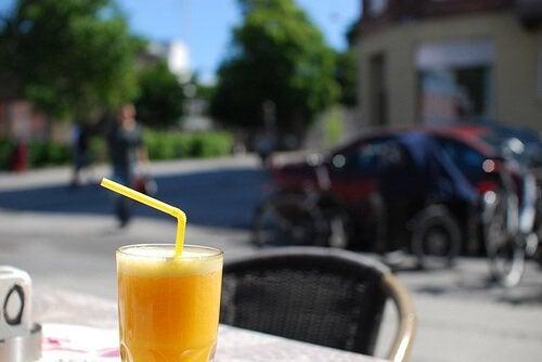 Băuturi din fructe cu efect depurativ