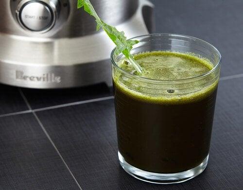 Băuturi din fructe și legume pentru slăbit