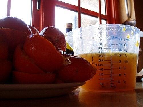 Băuturi din fructe care conțin suc de portocale