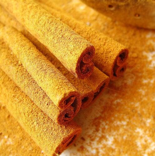 Beneficiile consumului de scorțișoară și miere
