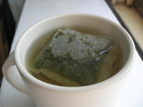 Ceai verde pentru detoxifiere