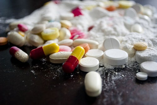 Consumul de medicamente este unul dintre acele obiceiuri care afectează intestinele