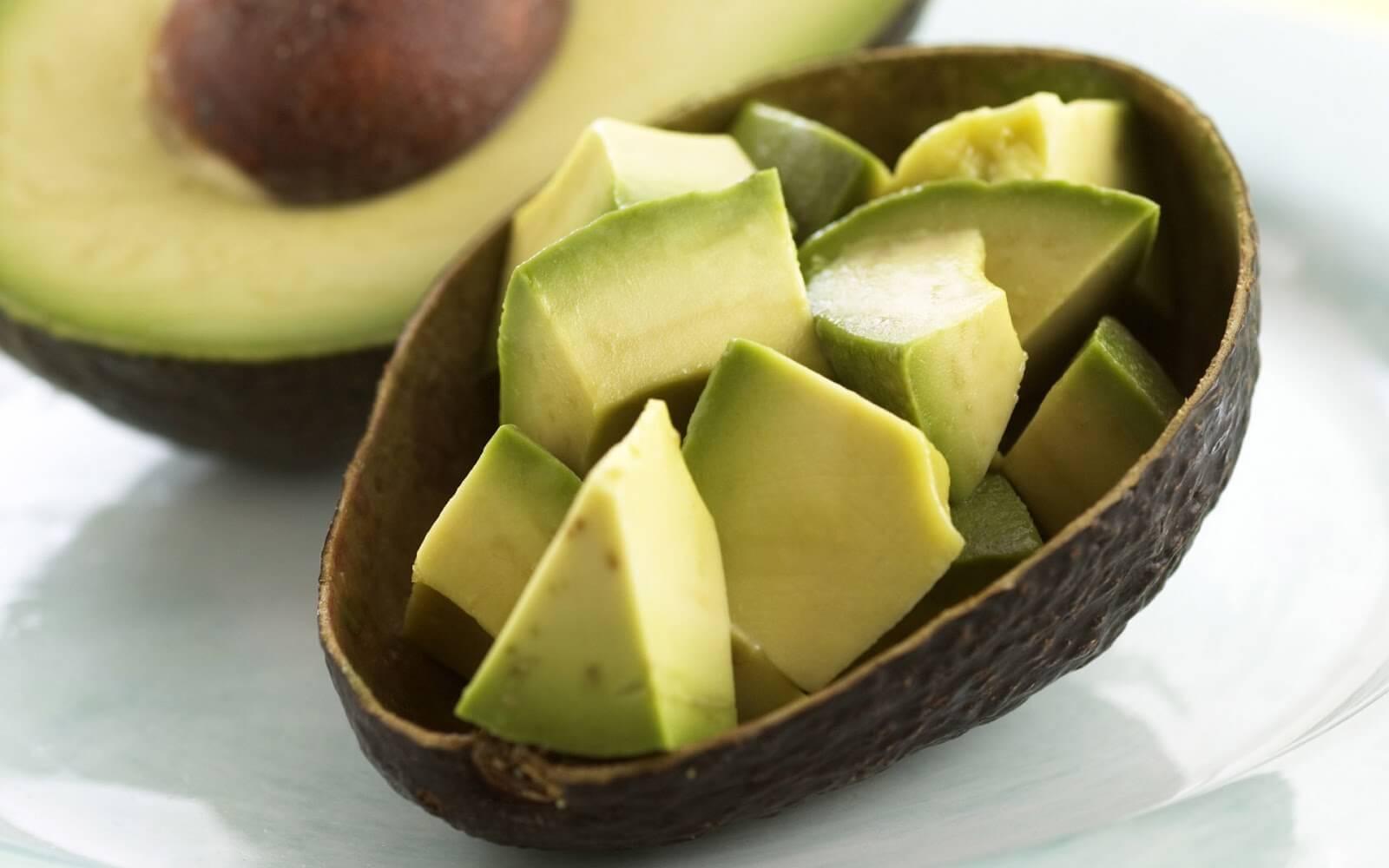 Cremă de avocado pentru călcâie crăpate