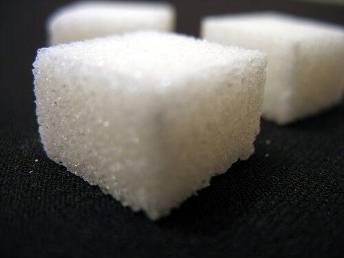 Evitați zahărul dacă suferiți de intestin iritabil