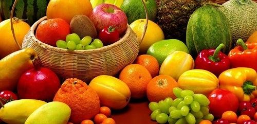 Fructe pentru a combate umflarea abdomenului