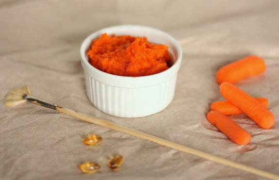 Prepară o mască de față din morcov și portocale