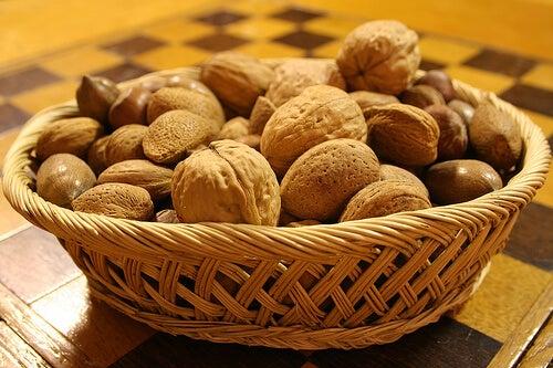 Nucile sunt alimente care previn diabetul