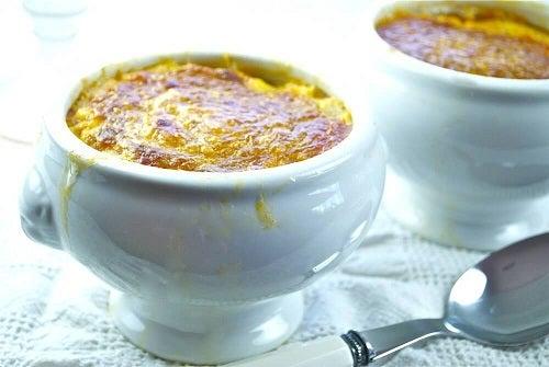 Cum prepari supa cremă de usturoi