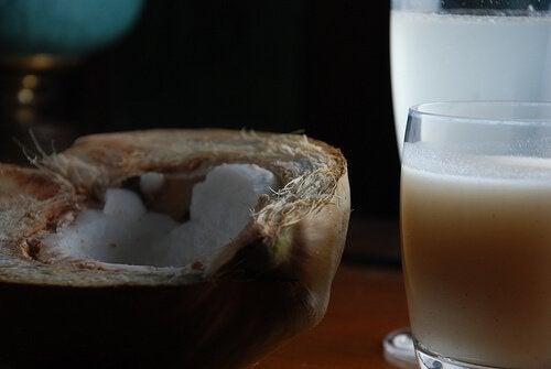 Remedii pentru petele pigmentare cu lapte de cocos