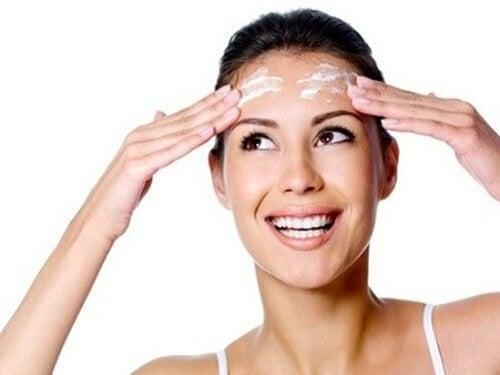 remedii pentru petele pigmentare aplicate pe față