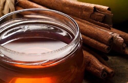 Scorțișoară și miere: ia-ți doza zilnică de sănătate!
