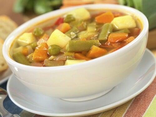 Rețete gustoase de supe de legume