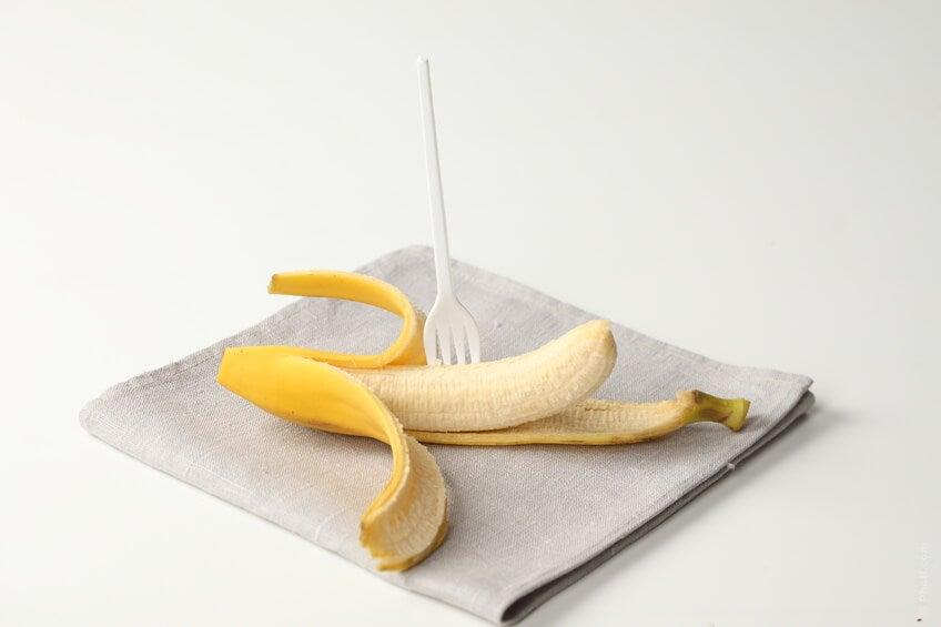 Bananele sunt fructe pentru un abdomen plat