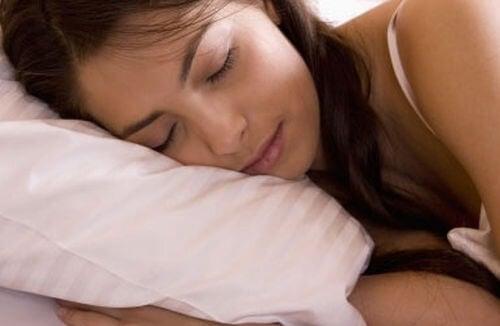 Dormi mai mult pentru un somn mai bun