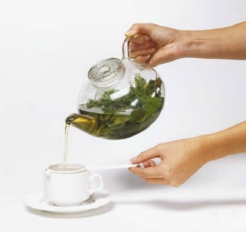 Infuzie din plante medicinale care elimină acidul uric în exces