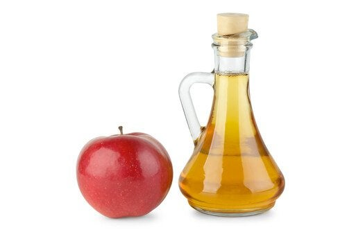 Oțetul de mere pe lista de remedii pentru venele în pânză de păianjen