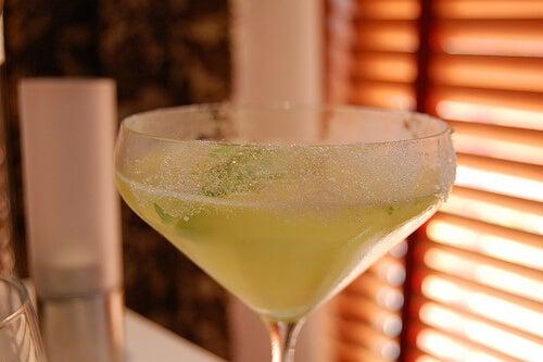 Rețete cu țelină sub formă de băuturi