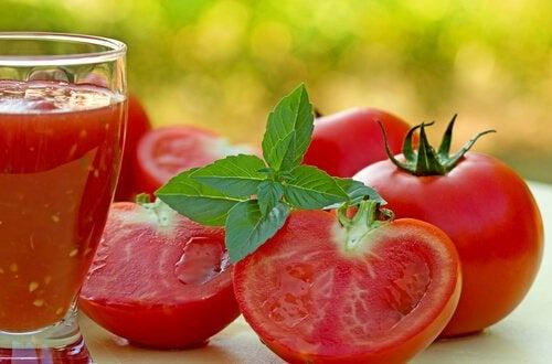 tomatele vă ajută să ardeți grăsime