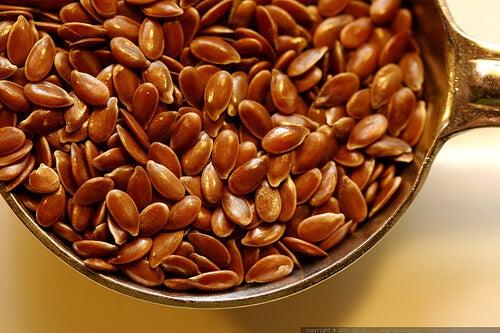 Semințe de in utile dacă îți amorțesc mâinile în somn