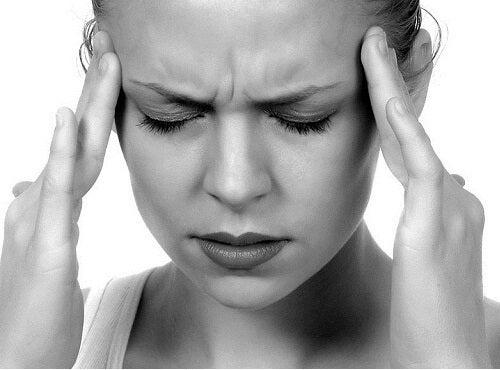stres acneea