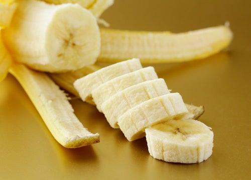 Alimente energizante: felii de banană