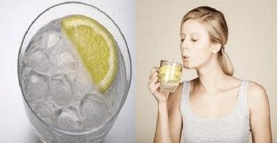 6 motive pentru a bea apă caldă dimineața