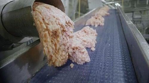 Chicken nuggets: proces de preparare