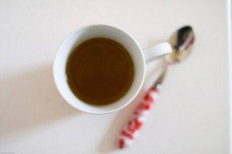 Coada calului ajută la slăbire când este consumată sub formă de ceai