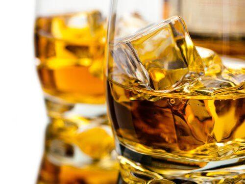 Colonul: alcool