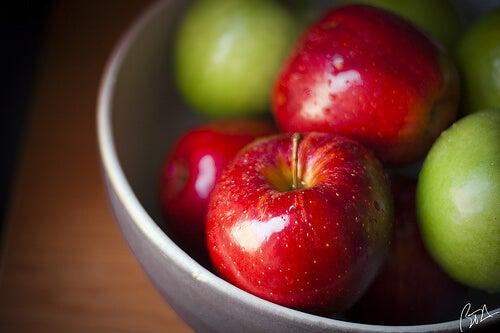 Cum reduci acidul uric cu ajutorul merelor