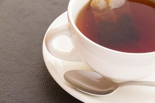 Hipertensiune arterială: ceaiul negru