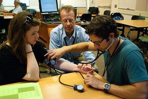 Hipertensiunea arterială: tensiometru