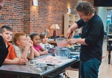 Jamie Oliver vorbind despre chicken nuggets