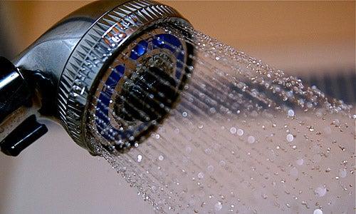 De ce să nu faci duș zilnic