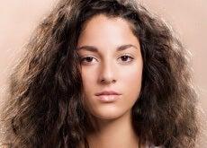 Păr rebel