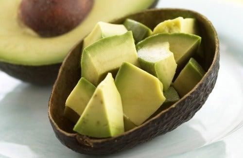 Părul deteriorat: avocado