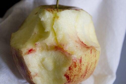 Remedii naturale pentru gingivită cu mere roșii