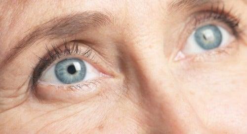 Riduri premature la ochi