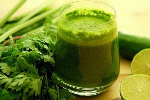 Smoothie verde care tratează hipertensiunea