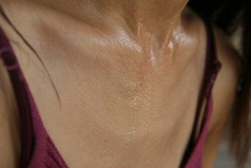 Soluții împotriva transpirației excesive la femei