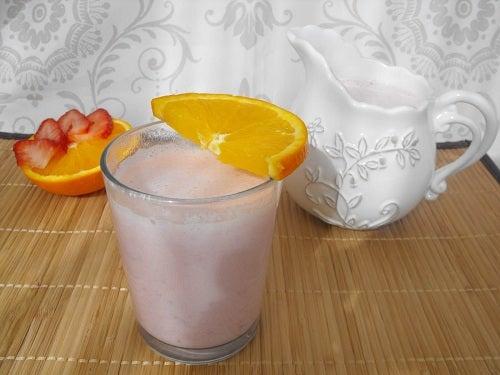Sucul de căpșuni și aloe vera te ajută să slăbești