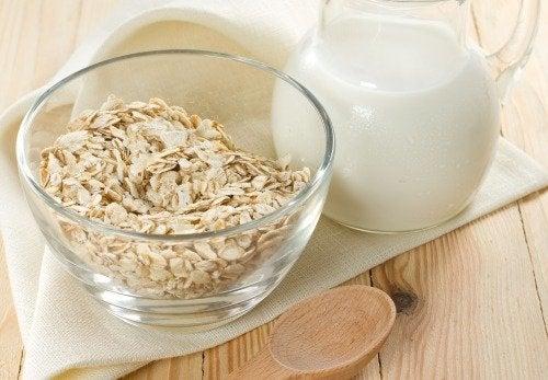 Beneficii ale ovăzului consumat cu lapte