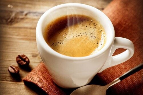 Legătura dintre cafea și senzația de foame