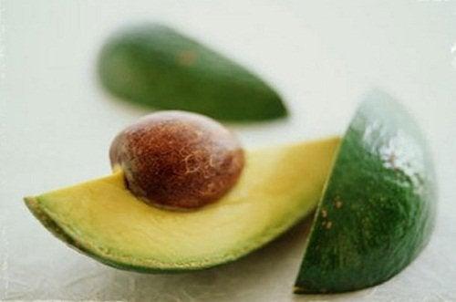 Fructele de avocado te ajută să învingi celulita