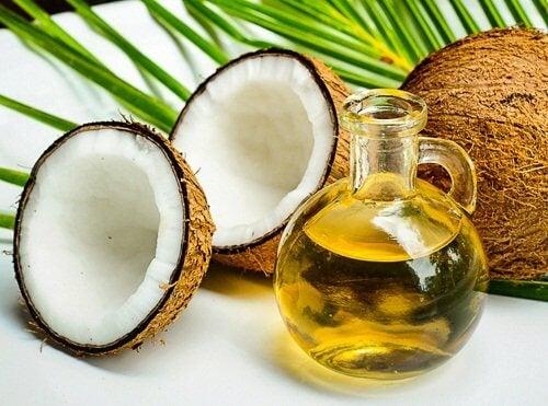 Cremă antirid: nucă și ulei de cocos