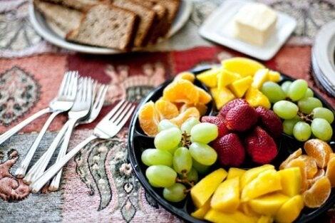 Alimente incluse într-o cură de slăbire pentru coapse
