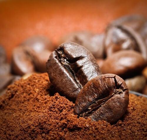 Exfoliante naturale cu cafea