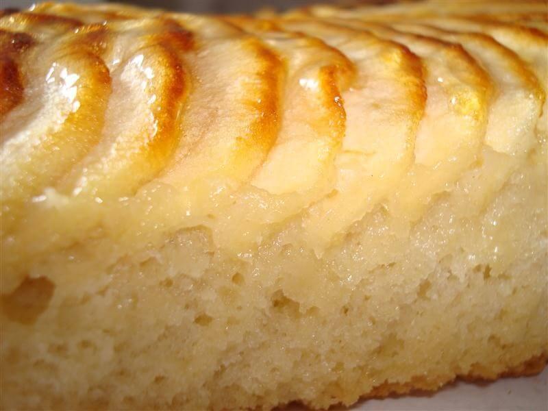 Felie de tort cu mere