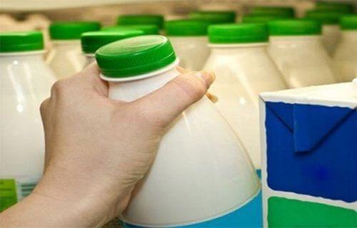 Studiu Harvard recomandă să nu beți lapte degresat